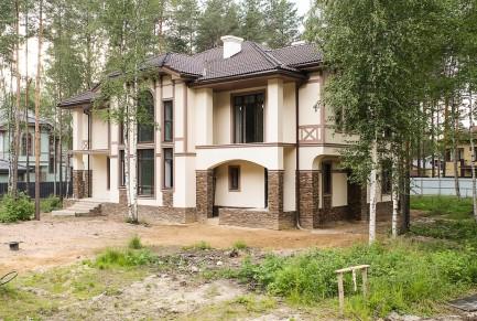 kirpichnyj-kottedzh-335-kv-m-foto-1